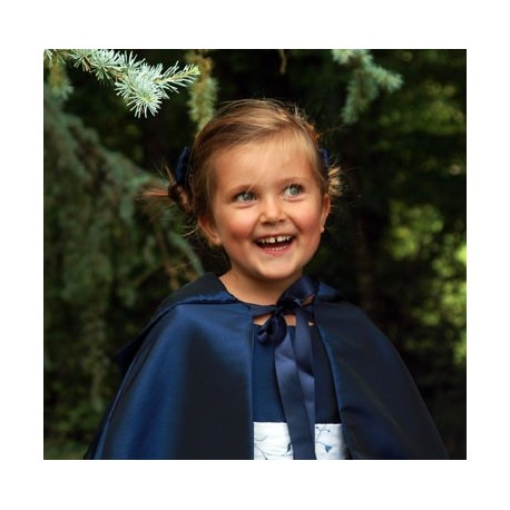 Cape for flower girls by Little Eglantine