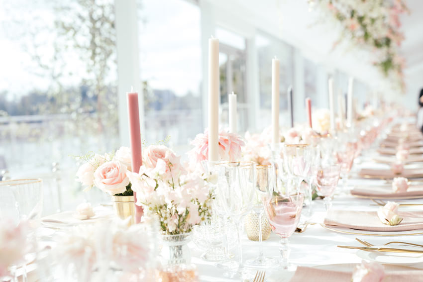 Georges and Camilla Blandford wedding tablescapes and flowers by John Carter Flowers