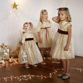 This winter little girls have sparkles in their eyes and dream of wonderful presents... . . . #littleeglantine #christmasdress #christmasmagic #gold #sparkles #childrencouture #kidscouture #princess #christmastime #christmaseve #christmasspirit #littleeglantine #partydress #christmaspartydress