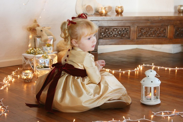Christmas collection... sparkling gold dresses for a happy family time